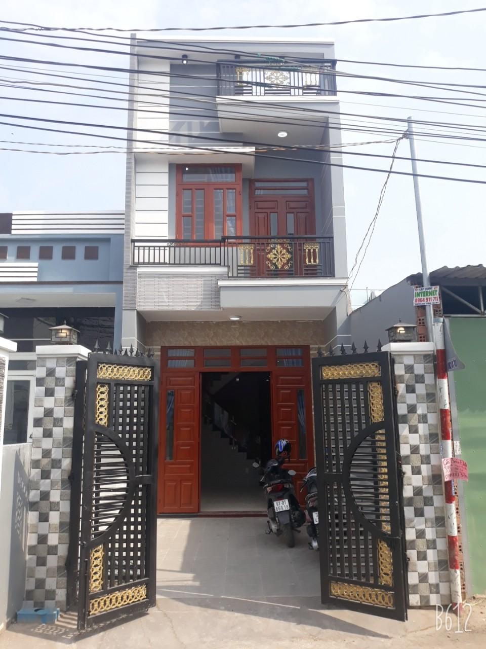 Bán Nhà Dĩ An 1 Lầu 1 Trệt Sân Xe Hơi Gần Siêu Thị Bigc